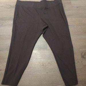 Stretchy pants size 26/28